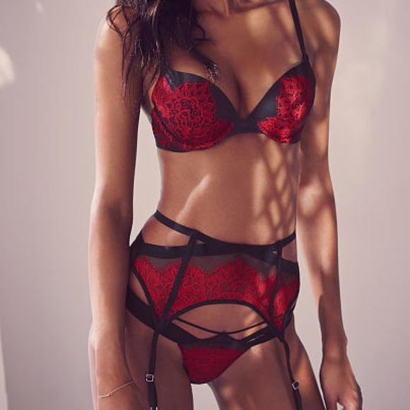 25015f953d2 NWT Victoria secret red black lace garter belt M L